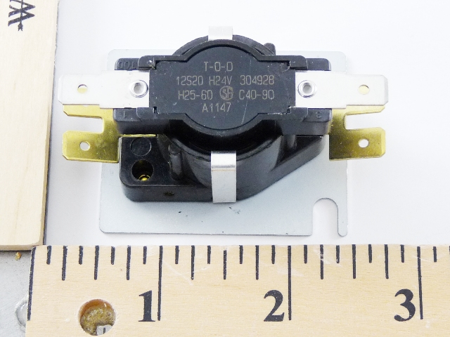 Carrier Products 11J11R00366 Fan Switch Relay - Obsolete replaced by Sterling 11J11R00366