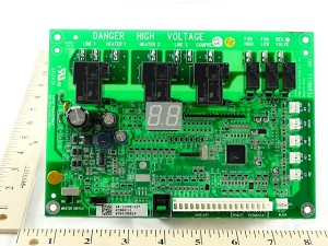 Amana Goodman RSKP0010 Daikin McQuay 300050686 MAIN CONTROL BOARD- PTC PTH MODELS Replaces PCBCP126 Johnstone L42-294  *** Obsolete - Replaced by RSKP0014 ***